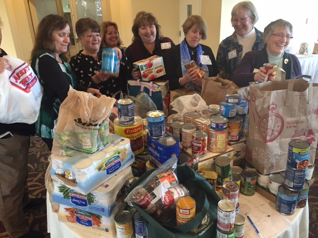 mid-winter-mtg-011717-food-pantry-donations