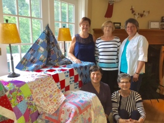 quilts pic 1 with quilters